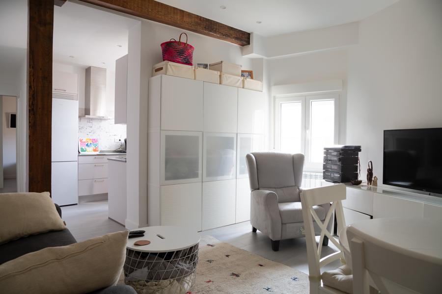 salón y zona de paso a cocina