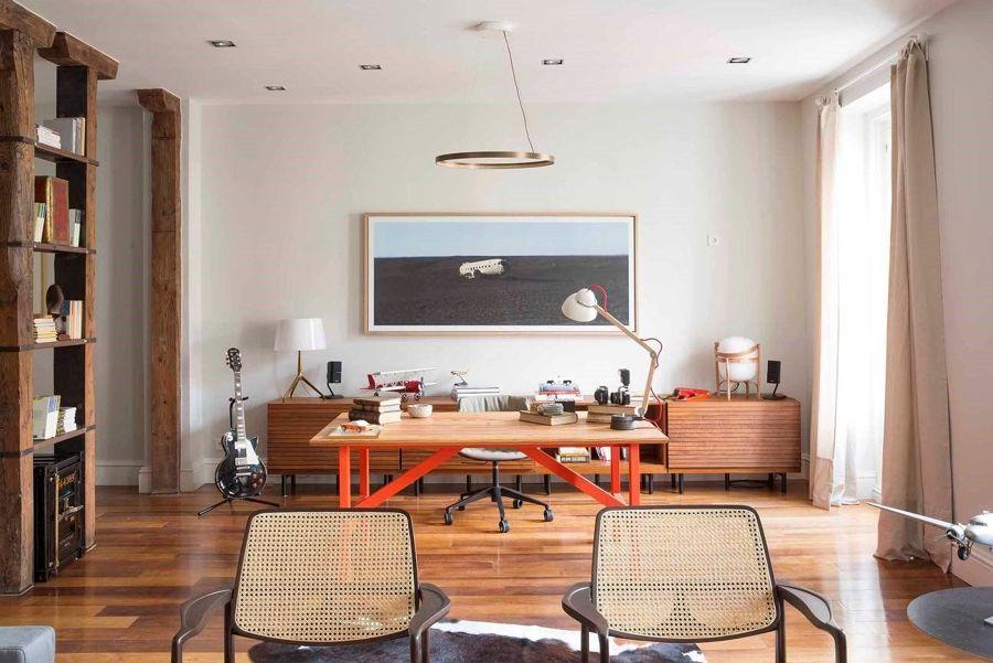 Salón y zona de trabajo de estilo urbano