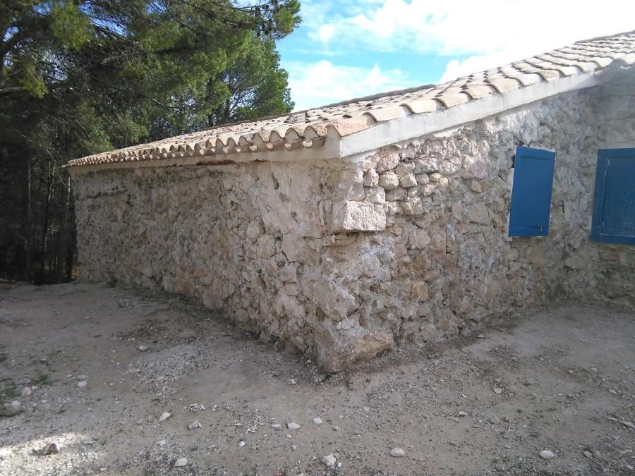 Saneado hasta soporte de la fachada
