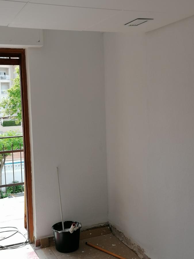 Saneamiento de pared de armario