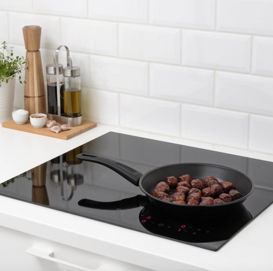 Sartén, vitrocerámica y cocina de IKEA