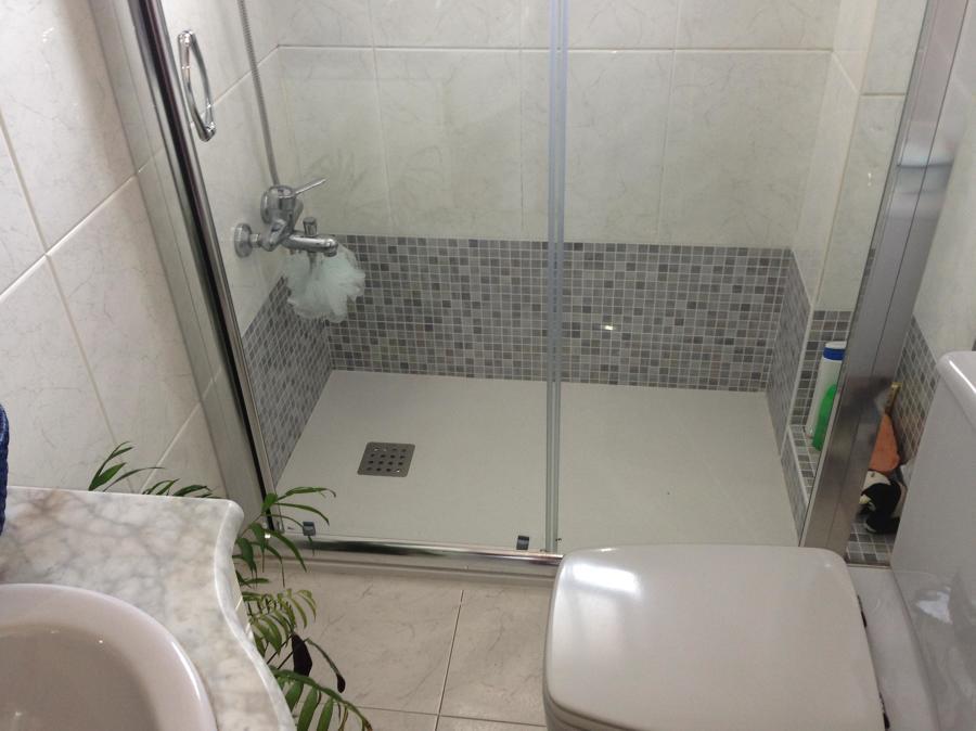 Se quito la bañera y se instalo plato de ducha