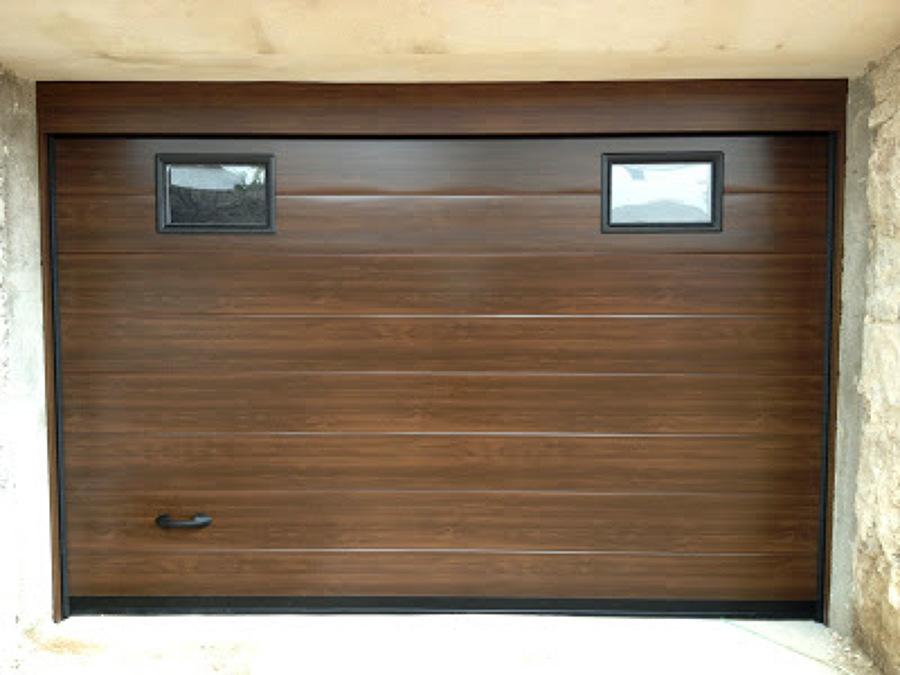 Puerta seccionales ideas puertas garaje for Puertas de garaje de madera
