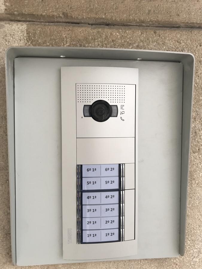 Segunda placa de pulsadores ( 2 acceso )