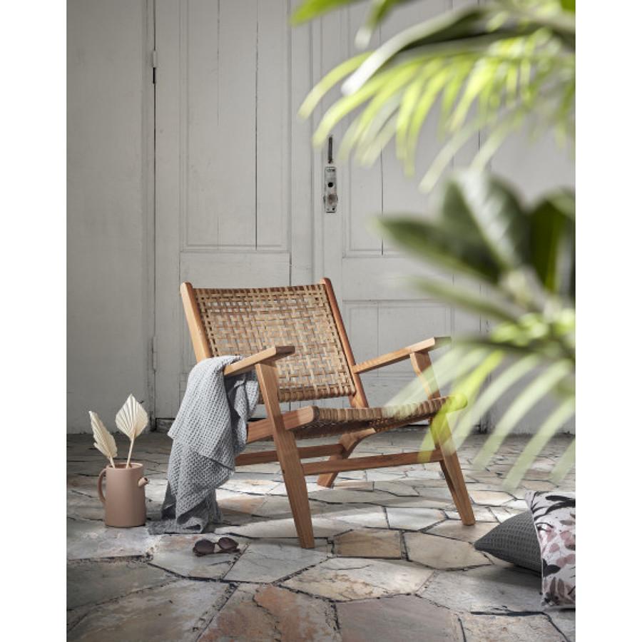 sillón de cuerda y madera