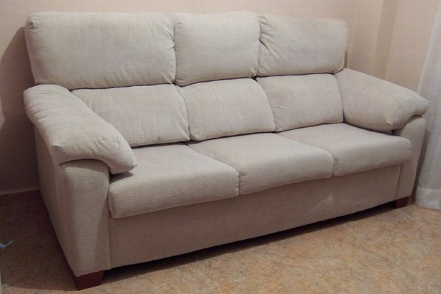 C mo limpiar un sill n de tela ideas mantenimiento - Limpiar sofa tela ...