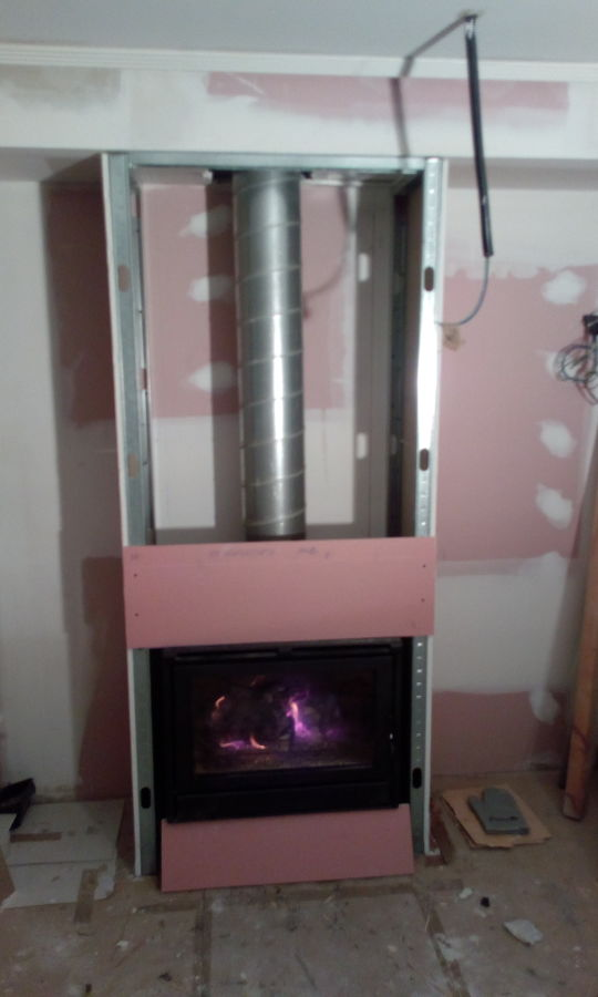 sistema de instalacion de salida de humos en hogar encastrado