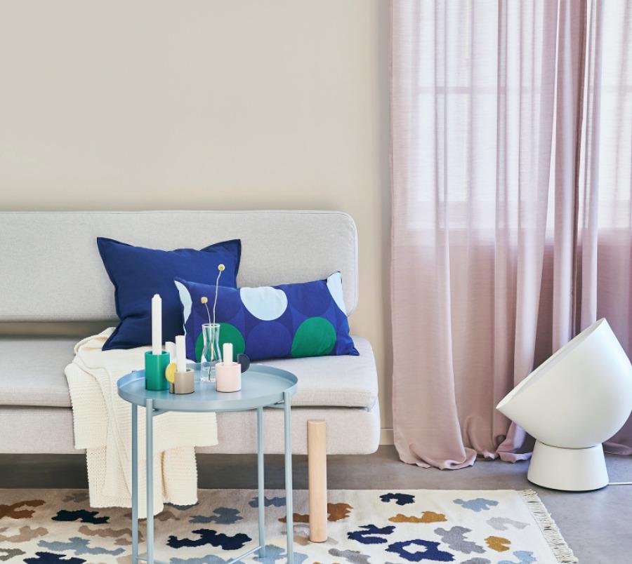 Sofá con fundas de cojín de IKEA