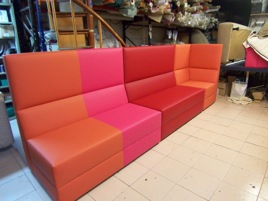 Montaje asientos en bar de copas proyectos tapiceros - Tapiceros valladolid ...