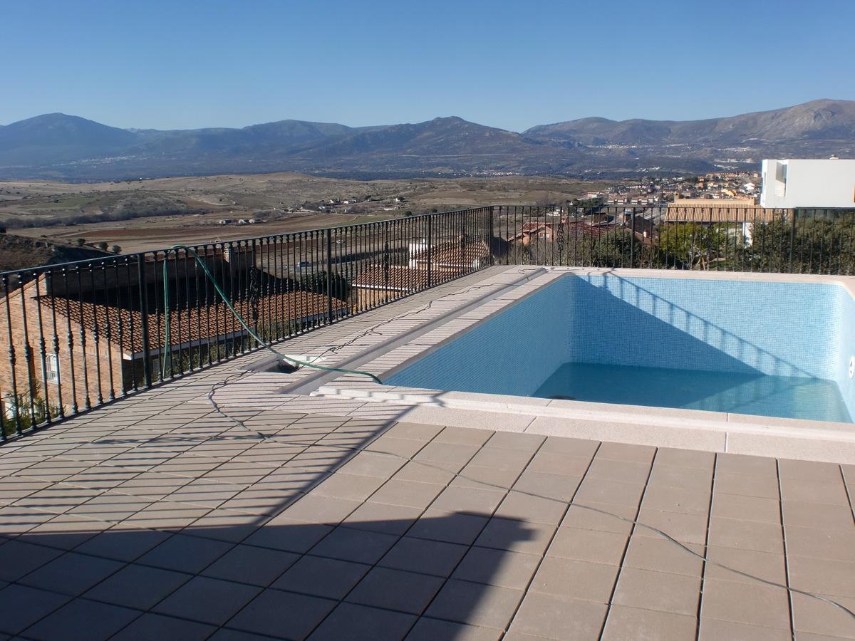 Reforma de piscina impermeabilizaci n y solados ideas for Solados para piscinas