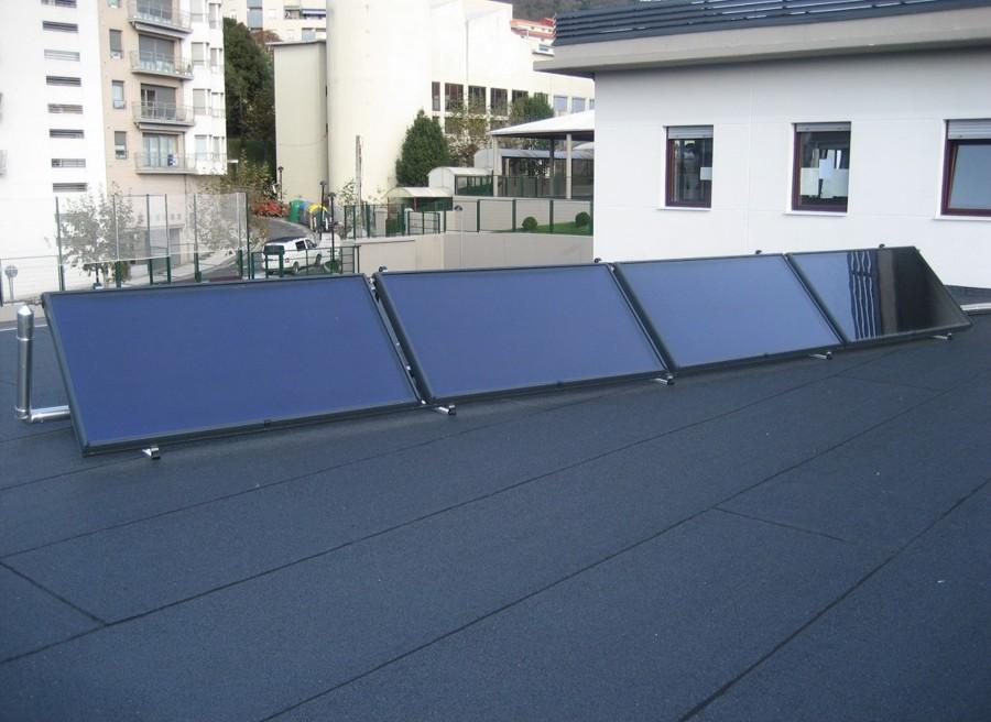Instalaci n solar t rmica en colegio de pasaia ideas - Placa solar termica ...