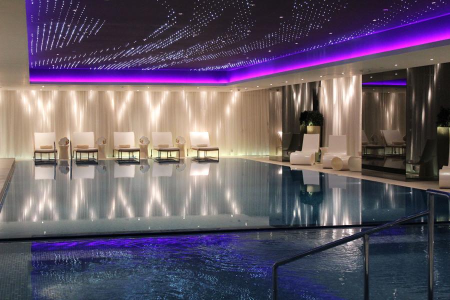 The Mira Hong Kong piscina