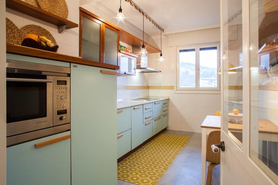 suelo de cocina de microcemento