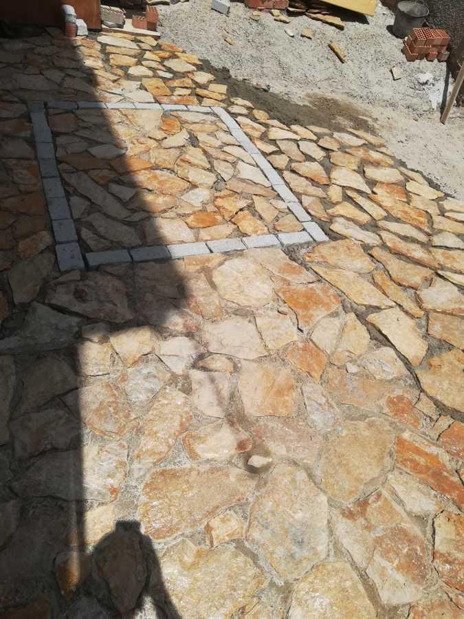 Suelo piedra natural