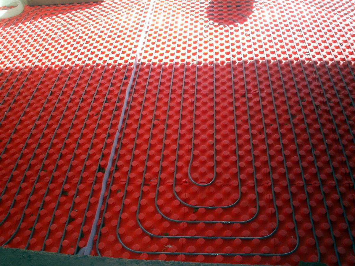 Foto suelo radiante en sal n de uni n solar energ as - Suelo radiante aerotermia opiniones ...