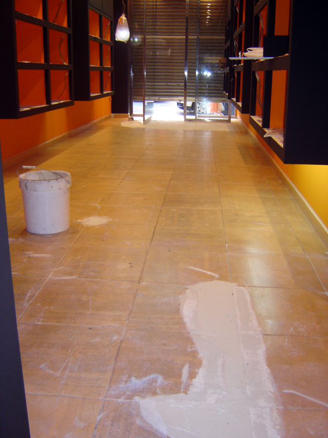Suelo tienda con microcemento ideas pavimentos continuos - Suelos de microcemento ...