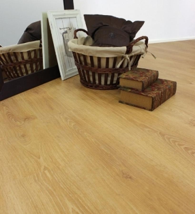 Foto suelos laminados de saneamientos foncatek 774704 for Suelo laminado sevilla