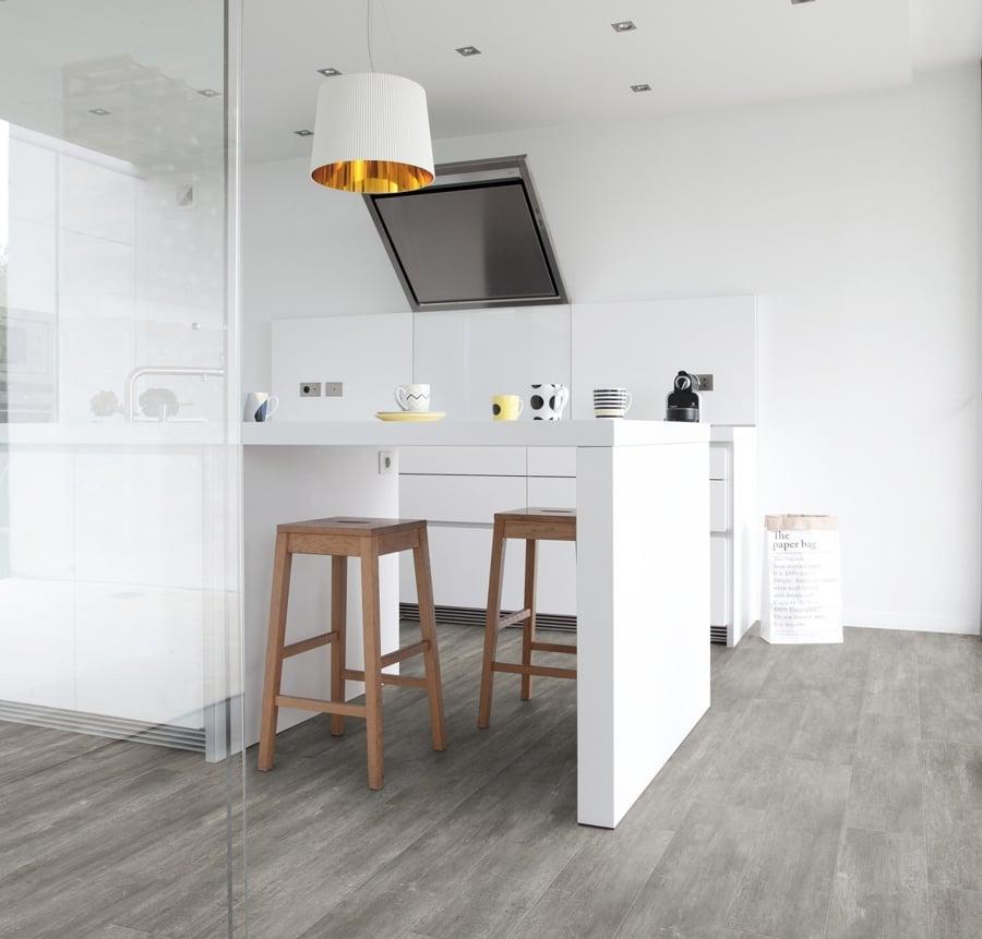 Pisa sobre seguro y elige el mejor suelo para tu cocina - Cocina suelo gris ...