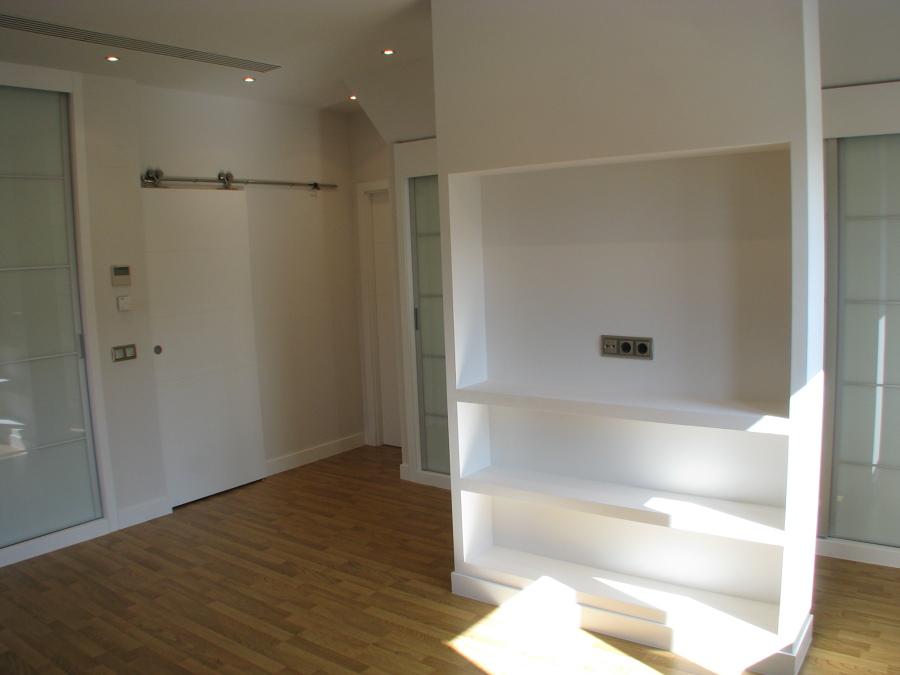Foto suite con mueble para el televisor de ako - Mueble para el televisor ...