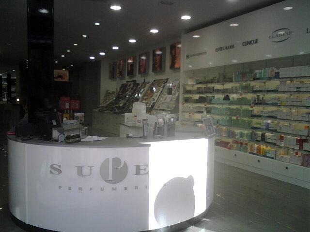 Súper Perfumería Puerta Purchena, Almería