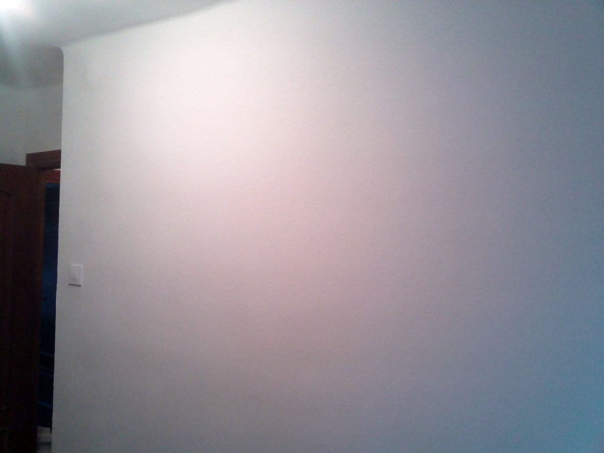 Superficie totalmente lisa fuera gotelé y pintada de blanco