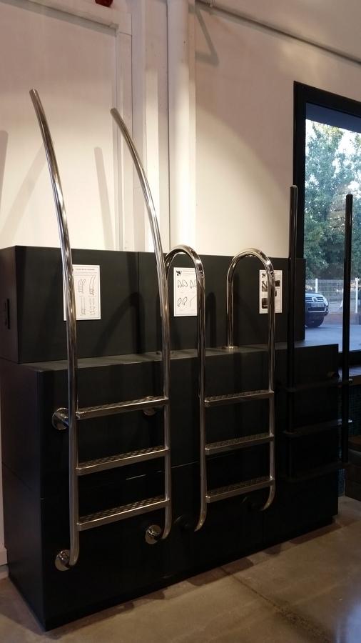Surtido escaleras inox y fibra de carbono.