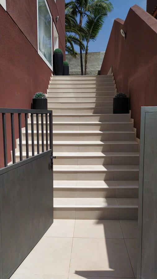 Sustitución pavimento escalera