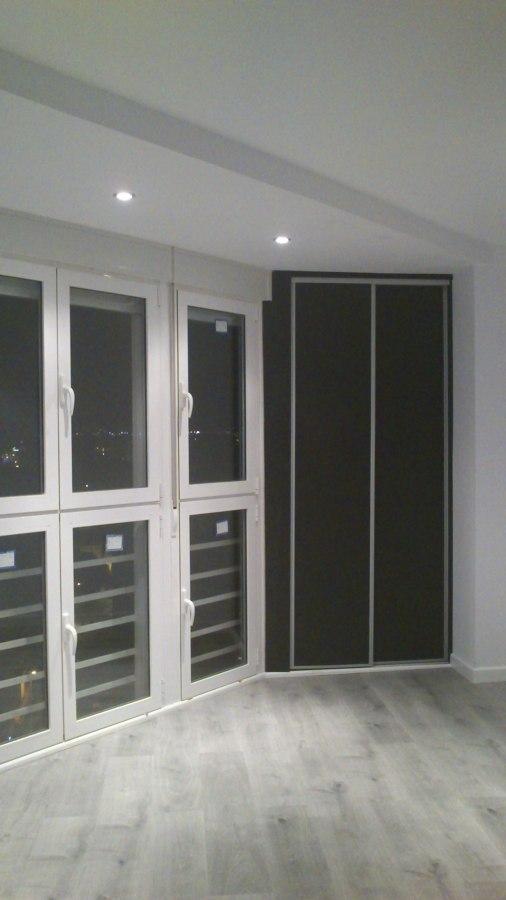 Foto sustituir ventanal balc n y armarios empotrados de - Armario balcon ...