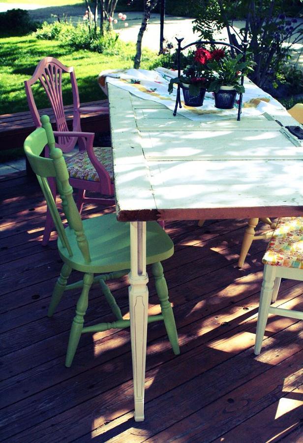 Mesas hechas con puertas antiguas original lo mires como for Mesas hechas con puertas antiguas