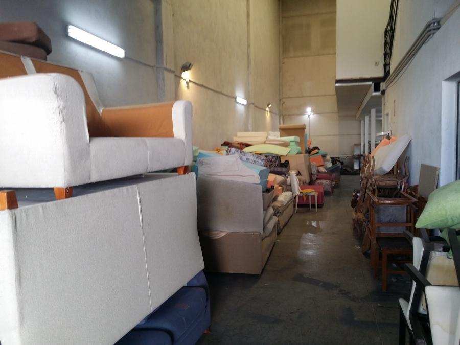 Foto taller de tapiceros nuovo divano 981503 habitissimo - Tapiceros en salamanca ...