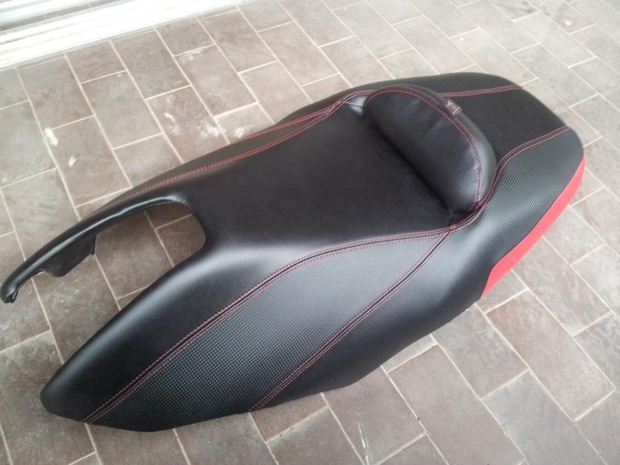 Foto tapizado asiento moto de - Tapiceros valladolid ...