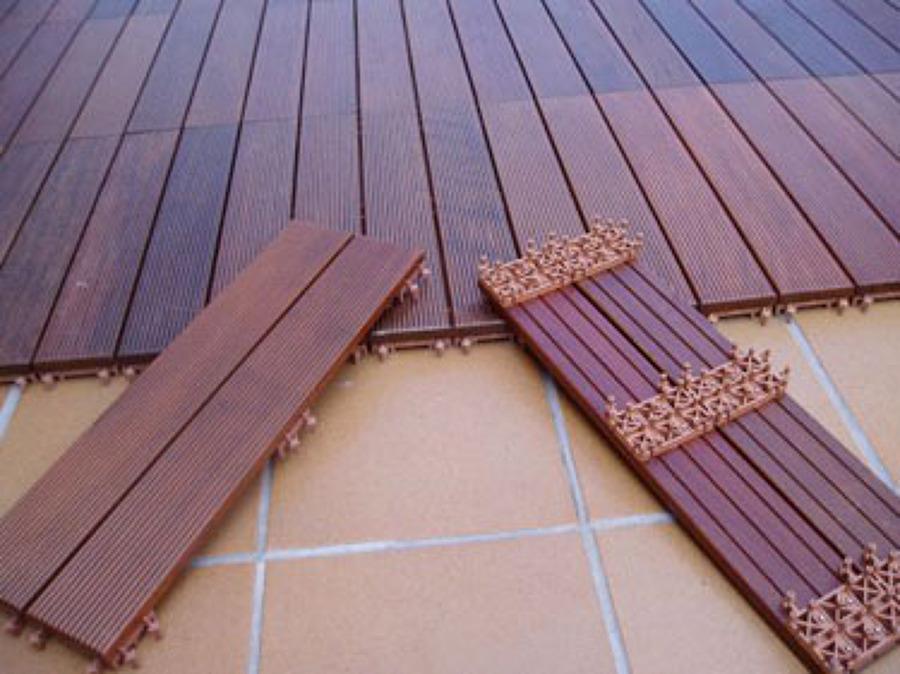 Tarima exterior en madrid ideas carpinteros for Suelos para jardin exterior