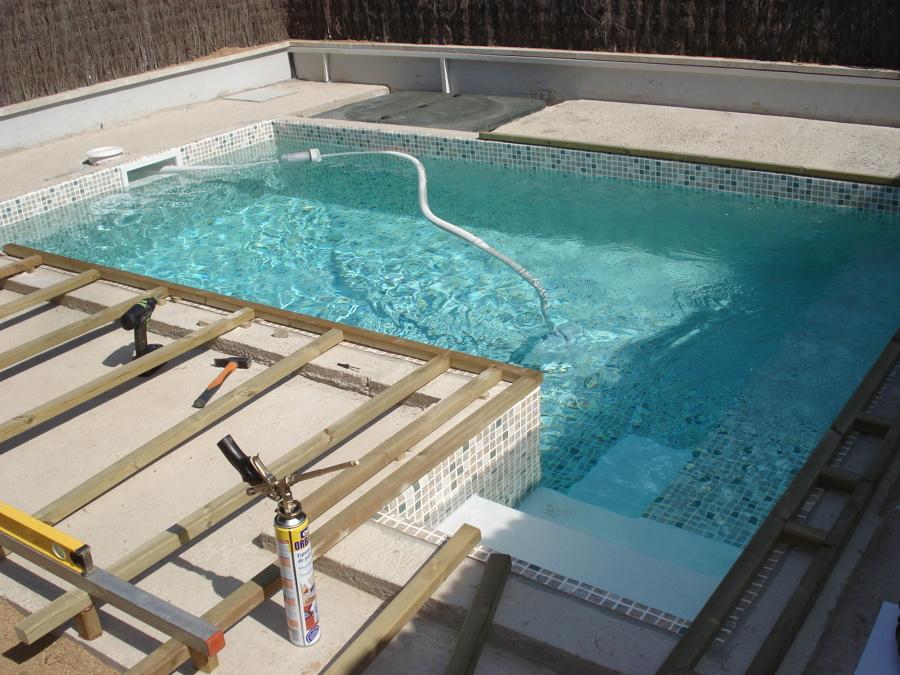 Exteriores de piscinas piscinas exteriores with for Piscinas y terrazas ideales