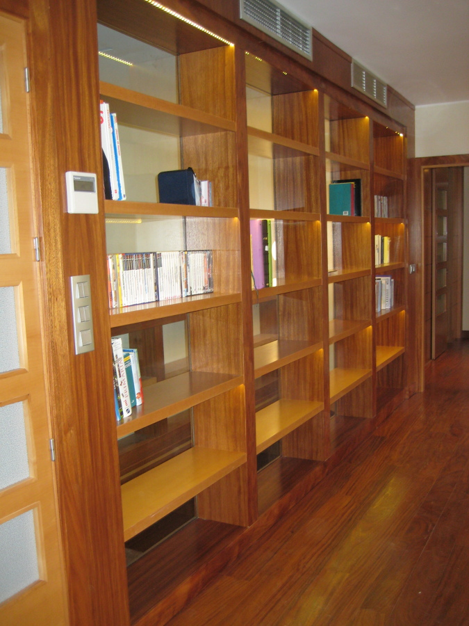 Tarima de madera ideas parquetistas for Mueble libreria