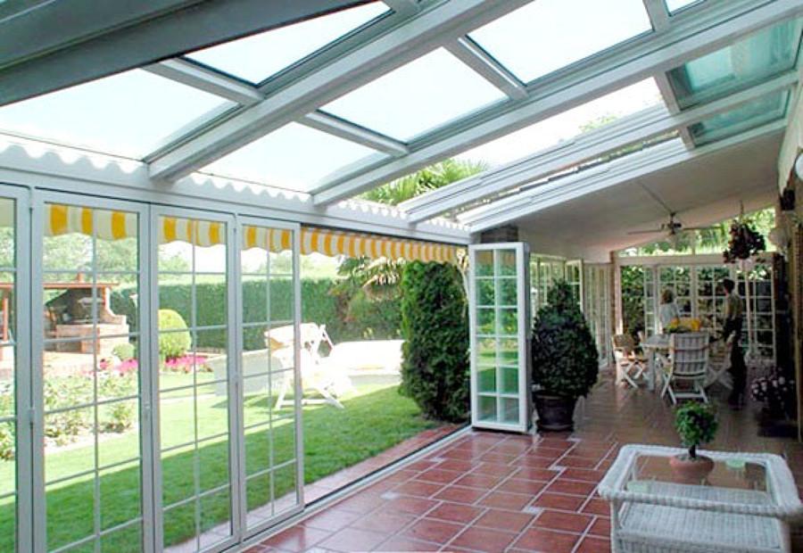 C mo cerrar la terraza con cristal para conseguir un - Invernadero en terraza ...