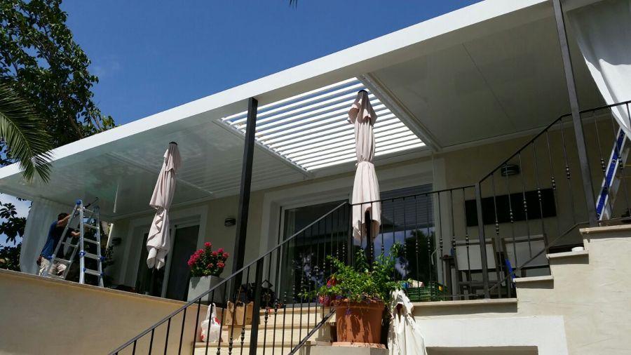 Acristalamiento y techo de aluminio proyectos for Lamas aluminio techo