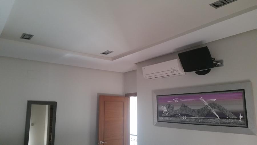 Foto techo decorativo con foseados de picado molano c b - Bajar techos con pladur ...