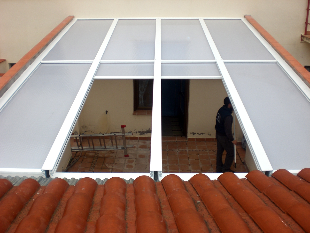 Foto techo movil de cristaler a y aluminios la mancha Fotos de techos para patios