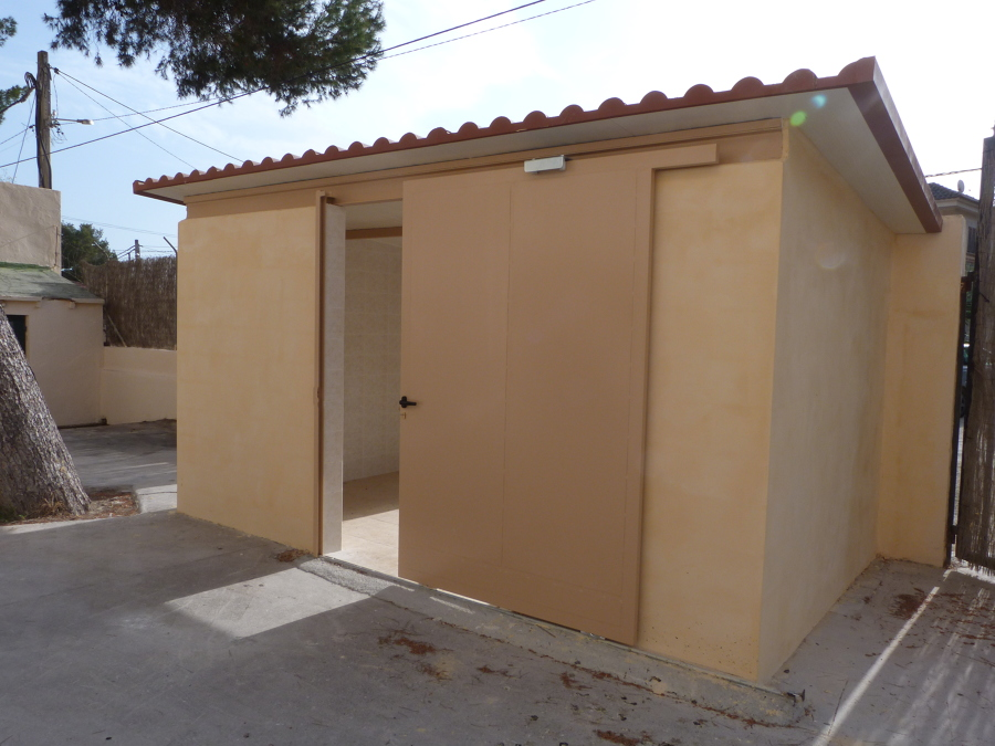 techo panel teja y puerta corredera de hierro