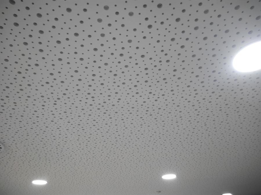 Foto techos acusticos oficina sabadell de escayolas chico for Oficinas sabadell zaragoza