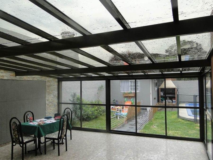 Ideas para utilizar techos transparentes en terrazas for Cubiertas transparentes para techos