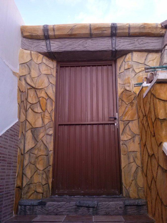 Tematizados verticales en patio de vivienda