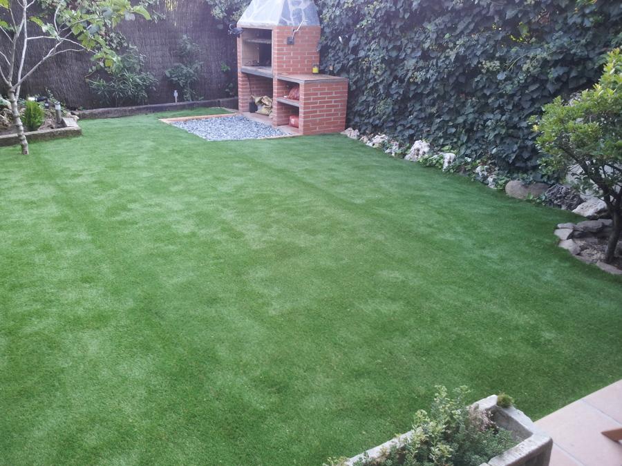 Foto terminacion de colocacion de cesped artificial de - Cesped artificial jardineria ...