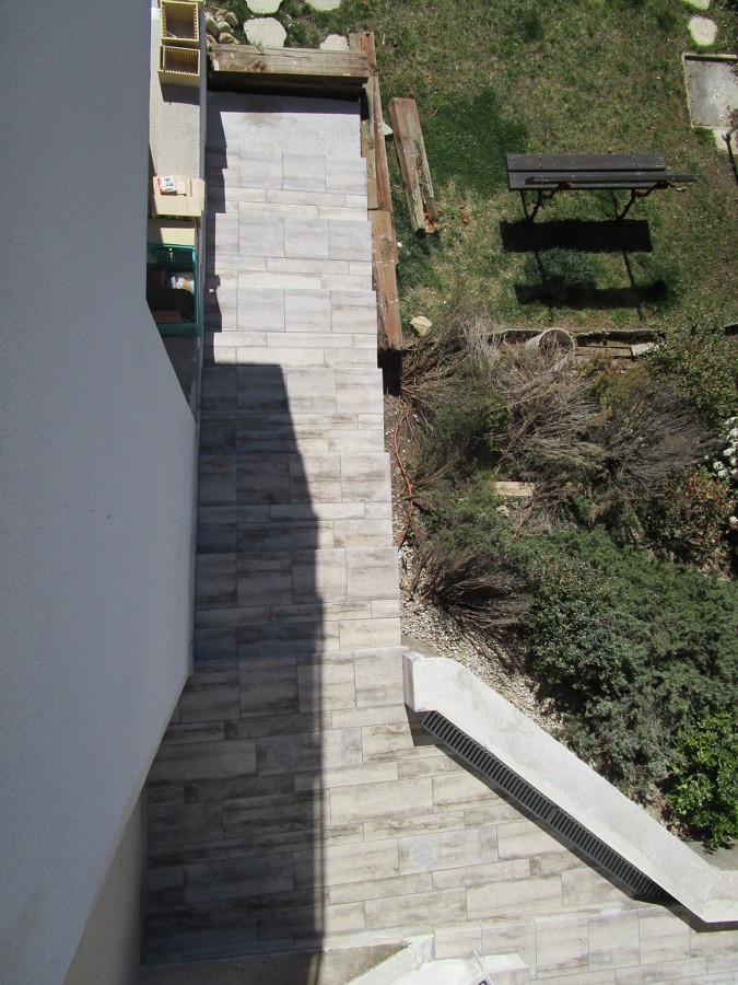 Terminación de la escalera inferior