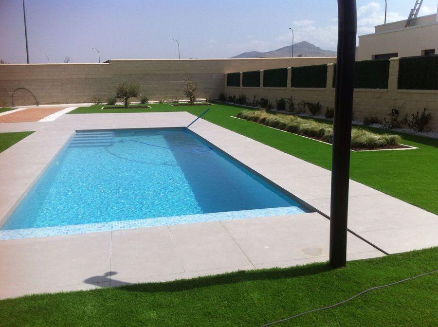 Terminación de piscina desbordante