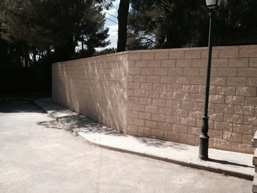 Foto terminaci n muro bloque split de mg2 construcciones - Bloques para muros ...
