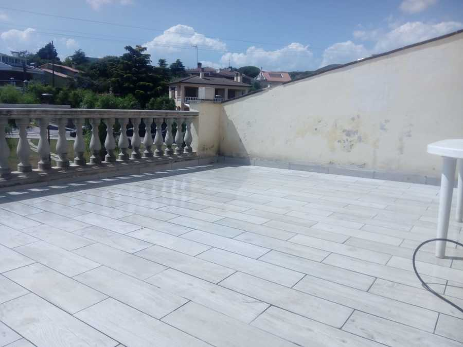 Terraza acabada y con nivel de desagüe correctos