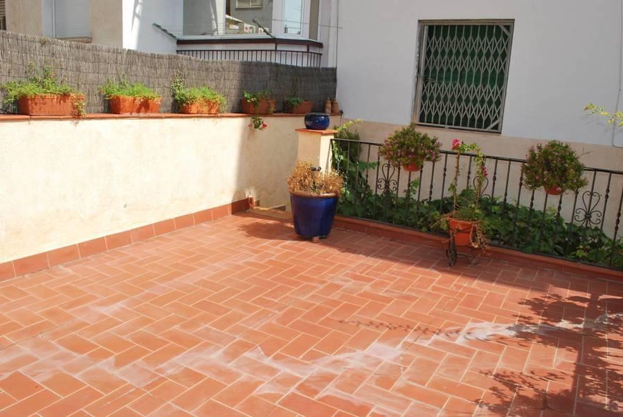Cerrar la terraza 5 antes y despu s ideas reformas for Baldosas para terrazas