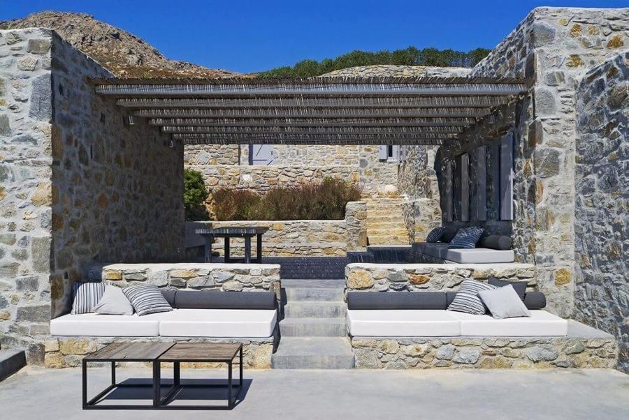 10 terrazas y patios que merecen un 10 ideas decoradores for Bancos de terraza y jardin