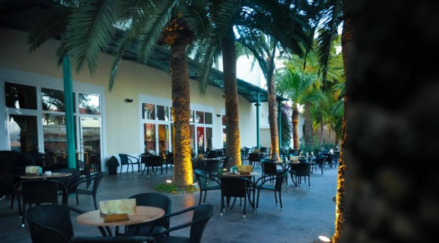 Terraza café teatro.